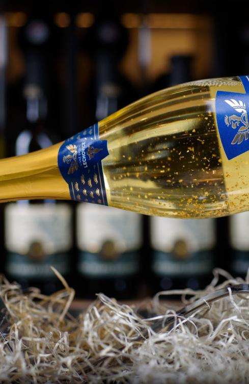 SEKT SE ZLATEM – Lechovice Chardonnay demi sec